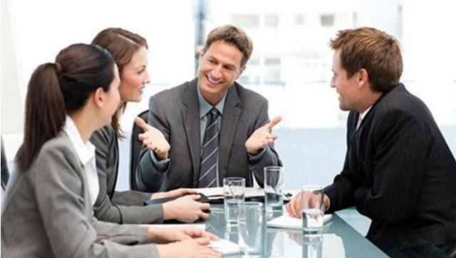 Cần tránh 4 lỗi sau nếu như không muốn mất điểm khi giao tiếp với người nước ngoài